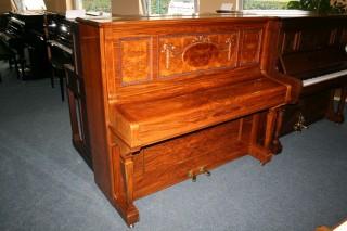 Ibach Klavier Modell 133 in kaukasischem Nussbaum