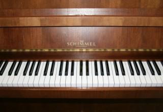 Schimmel Klavier 112 Nussbaum Bj. 1980