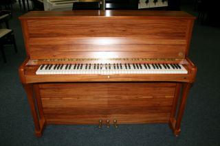 Seiler Klavier Modell 116 Mondial Apfel