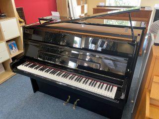 Steinway & Sons Piano Modell Z-114 schwarz poliert 1982