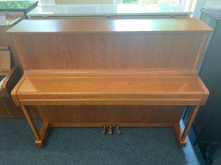 Yamaha Klavier Modell P116 Kirschbaum
