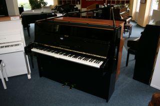 Bechstein Klavier Modell 12n schwarz poliert